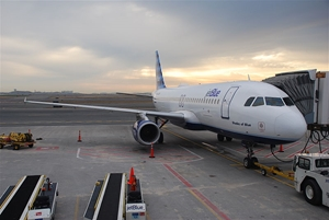 Apple Pay will be available on all JetBlue flights by June.